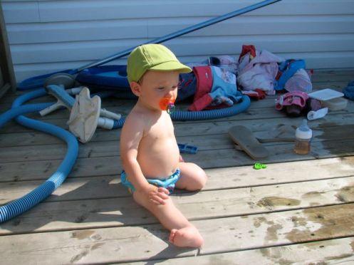 Pool babies wear Coppertone